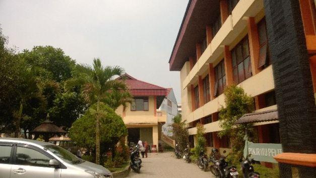 Halaman depan SMK N 2 Bukittinggi